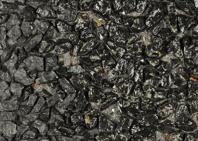 *Noir Ebene 8/12 + schwarzer Farstoff, behandelt (grauer Zement)